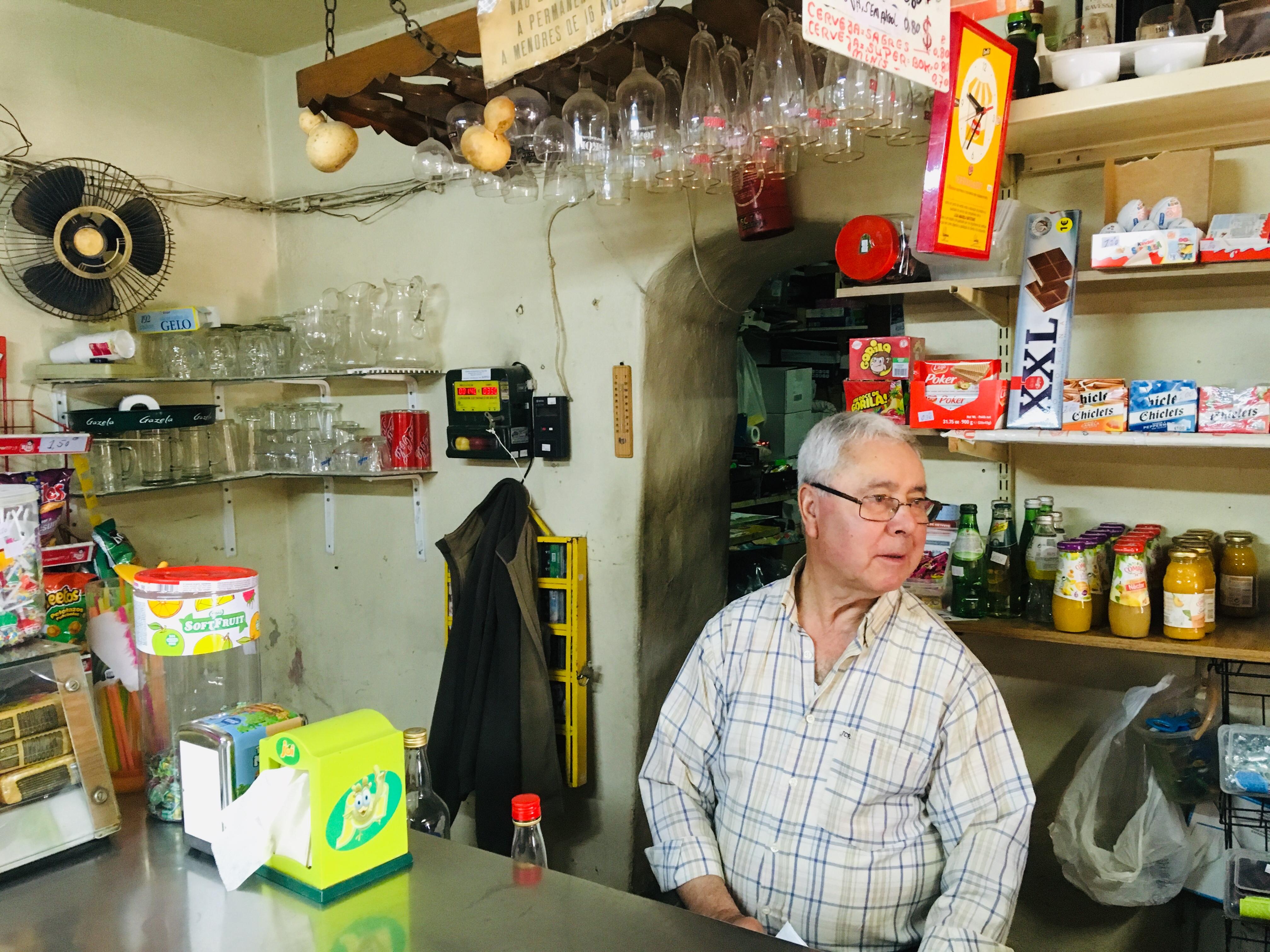 Senhor Alfonso do Café Alberquerque in Sezures