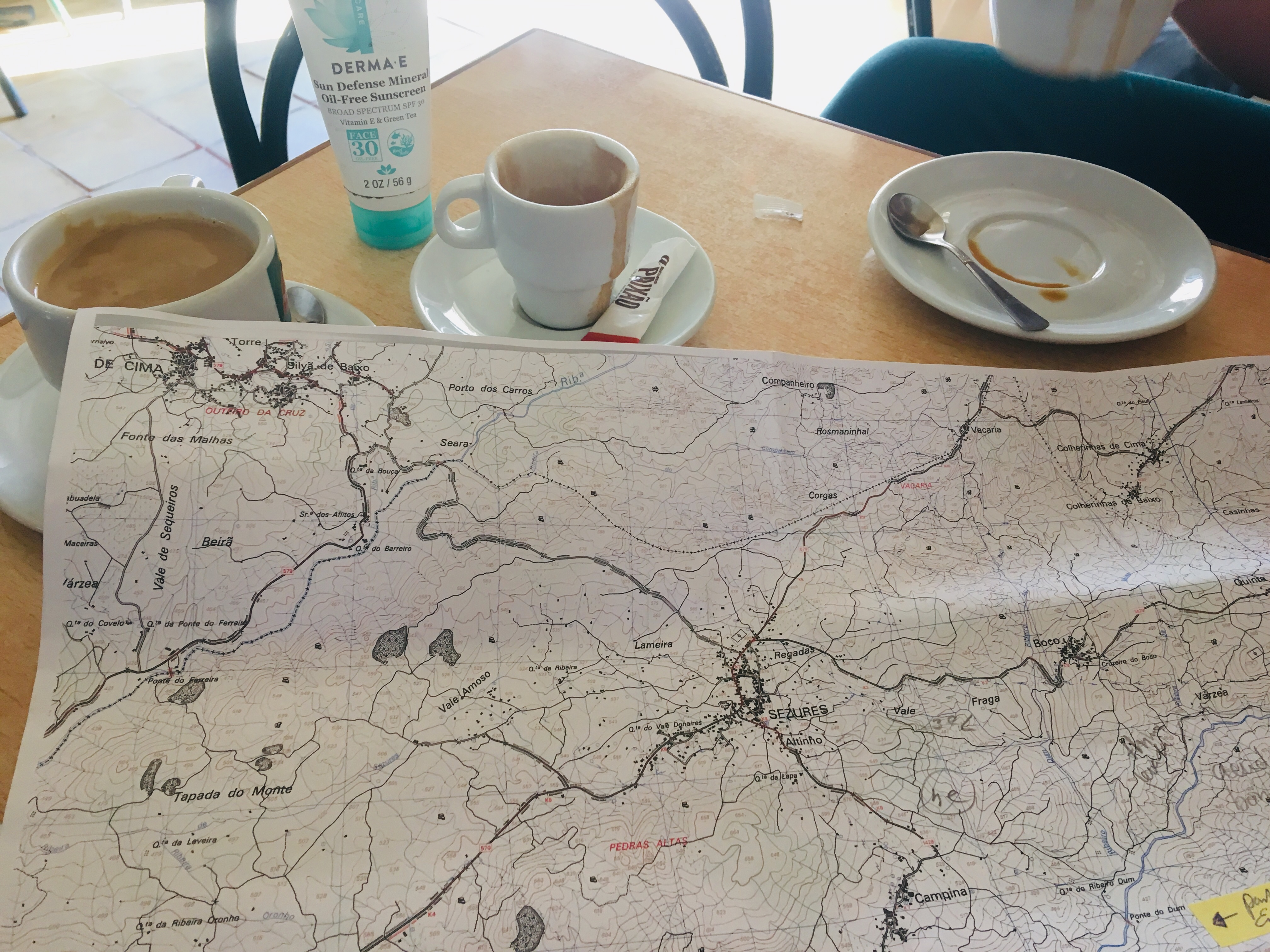 Coffee and maps for breakfast